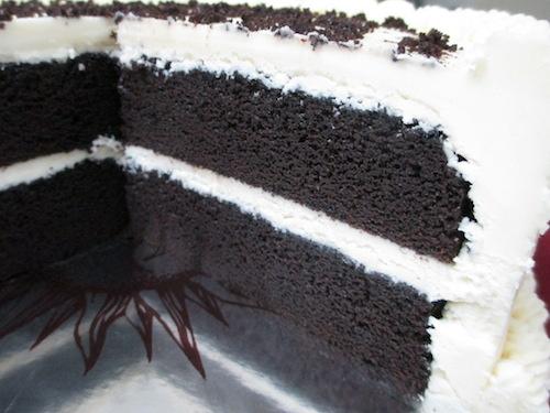 Black and White Chocolate Cake 3